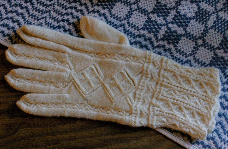 Ruhnu-glove