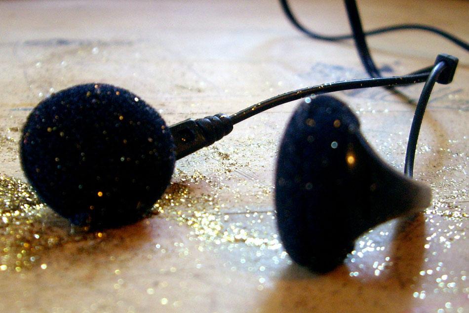 01-glitterphones